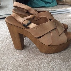 Aldo strapped wedges