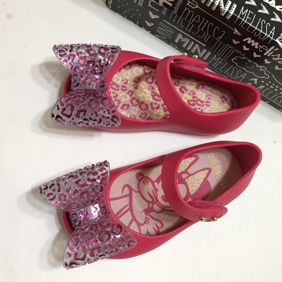 c3d56d74443b1 Pink Bow Minnie Mouse Mini Melissa Jelly Shoes