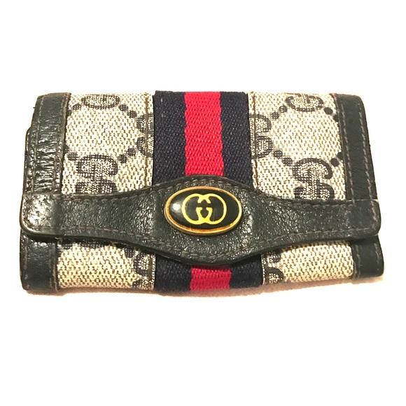 4c33e4d4a89 🎉Sale🎉Vintage authentic Gucci keychain wallet