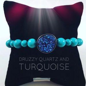 Host pick! Women turquoise & quartz bracelet