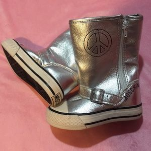 Moschino Other - Silver metallic boots