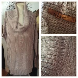 Belldini Sweaters - NWOT BELLDINI Beige Sweater w a Touch of Silver
