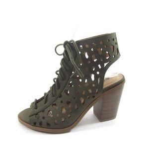 Shoes - Cutout Heel Shoes