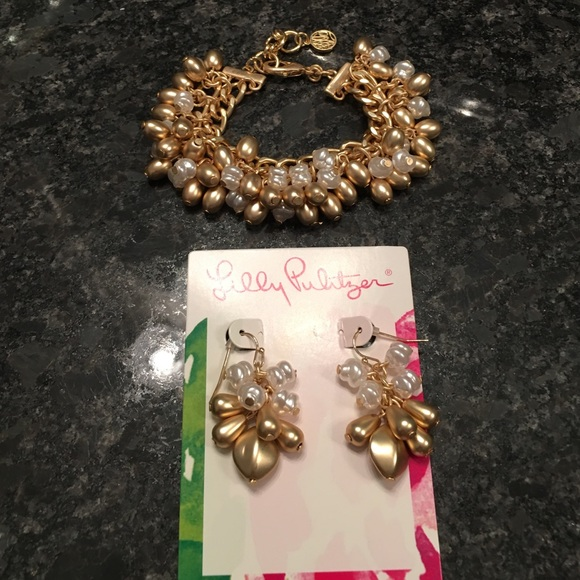 Lilly Pulitzer Jewelry - Lilly Pulitzer matching bracelet and earrings
