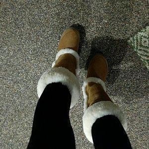 Emu Shoes - Emu boots nwt