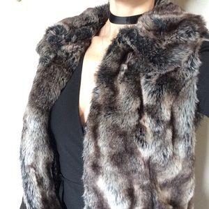 🌹✨luxe faux fur vest