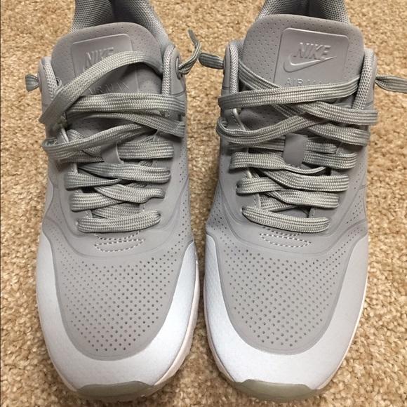 sale retailer 0199a f8d08 Nike Air Max 1 Ultra Moire Women s size 7.5. M 58521a9b2de5127ded017fd4