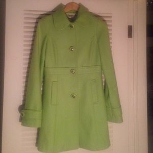 Green wool blend Tulle peacoat with lining.