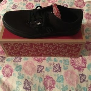 Vans Shoes - Vans Atwood black canvas sneakers youth size 5