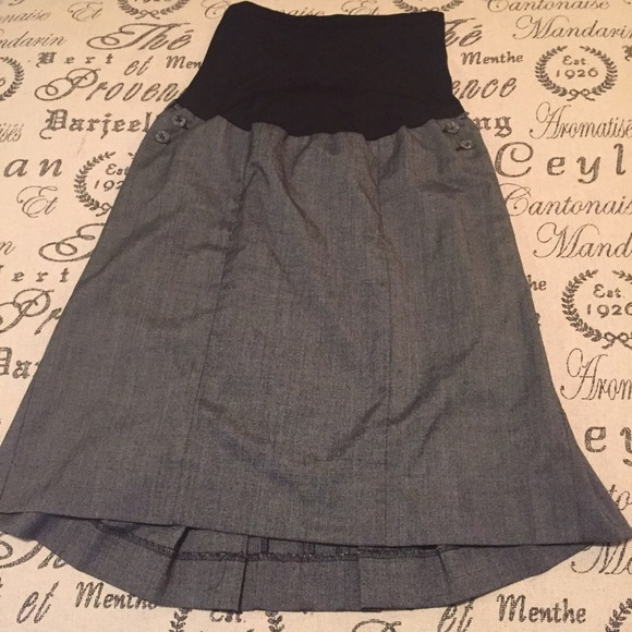 Motherhood Maternity Dresses & Skirts - Maternity skirt size large