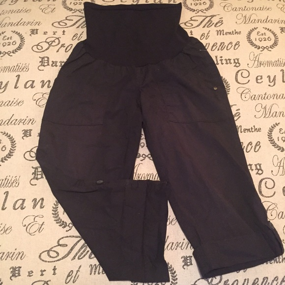 Motherhood Maternity Shorts - Adjustable maternity khakis size small