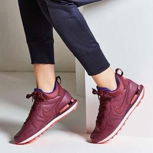 Nike Shoes - NWT Nike leather maroon internationalist