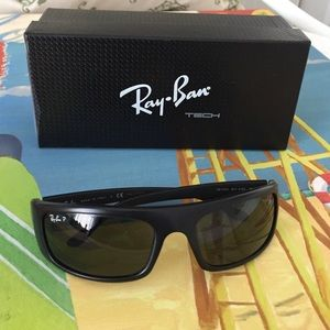 Ray-Ban Accessories - Unisex Polarized Ray-Ban Sunglasses