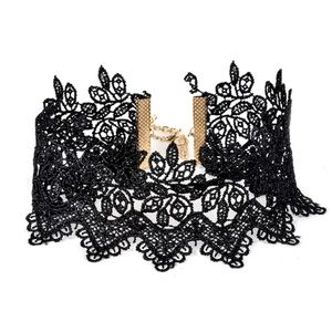 Jewelry - Lace collar necklace