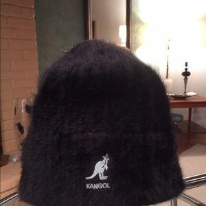 Kangol Accessories - Kangol hat like new EUC