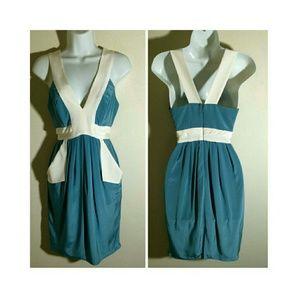 Black Halo Dresses & Skirts - Black Halo Silk V-Neck Colorblock Dress W/Pockets