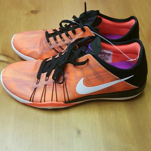 7276ed8da815 Womens Nike Free TR 6 Print (Black). M 5852f050680278bef2000d04