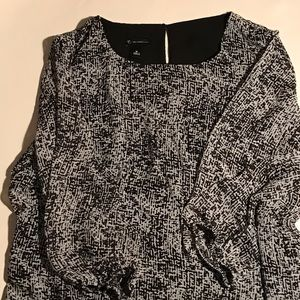 new directions Tops - Open back tunic