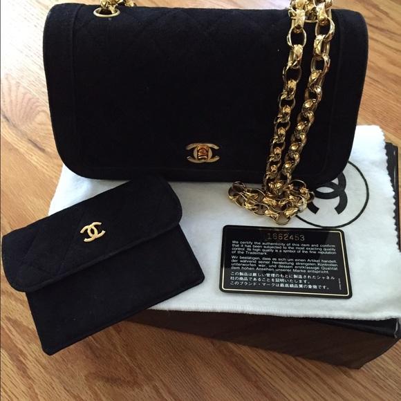 2559c5066ea41c CHANEL Handbags - Chanel suede bag w/gold chain w/card holder