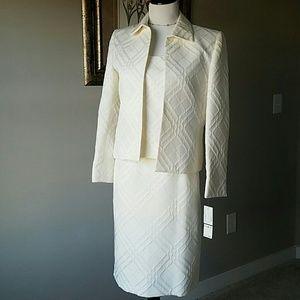 Kasper Other - 💕💕💕 NWT Kasper Casablanca 3 pc suit size 6