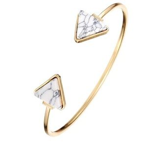 Jewelry - CLEARANCE 💋 White marble triangle cuff bracelet