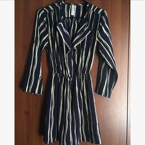 Dresses & Skirts - Navy/Cream Striped Convertible Sleeve Dress