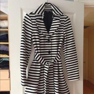 Forever 21 Black & White Striped Coat Size M
