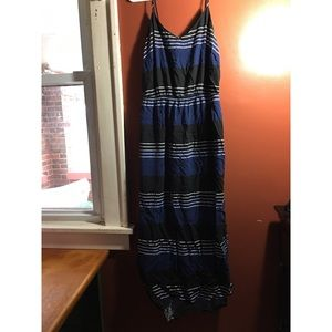 Old Navy Dresses & Skirts - Sleeveless Maxi Dress