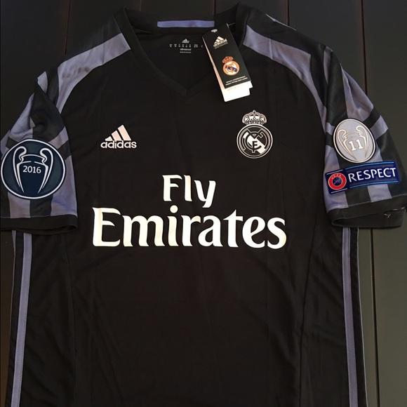 abf1db8c1d3 Cristiano Ronaldo 16 17 Real Madrid 3rd Jersey