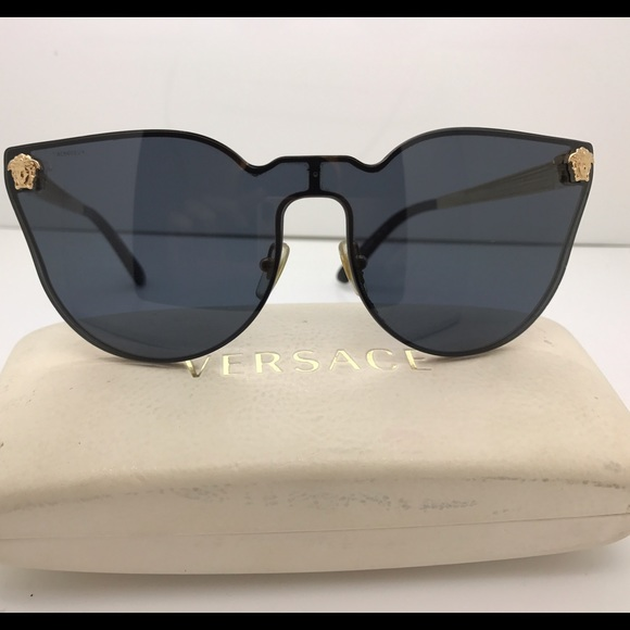 6a314be376f1 Authentic Versace Sunglasses VE2120 Gold 1002 87. M 585368cd981829c22001c2cf
