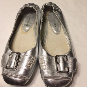 Ashley Judd great flats! Silver slippers