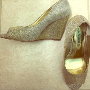 """Kelly & Katie Shoes - 3.5"""" Silver and Gold Peep Toe Wedges"""