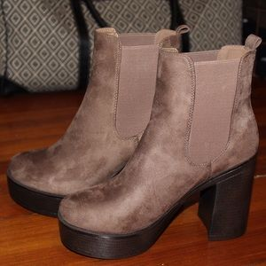 BRAND NEW suede brown booties