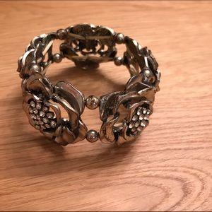 BKE Jewelry - BKE Buckle Silver Rose Rhinestone Cuff Bracelet