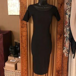 Joe & Elle Dresses & Skirts - Joe & Elle black midi dress BNWT. Bodycon