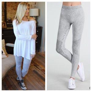 Pants - ✨RESTOCKED✨Gray vintage knee shirring leggings