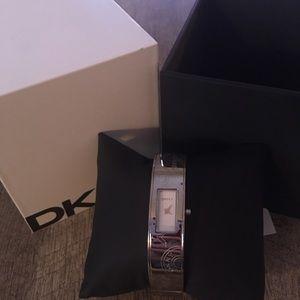New DKNY 8290 Silver Square Face Bracelet Watch