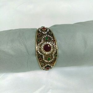 Deja Vous Jewelry - NWT Turkish Bangle