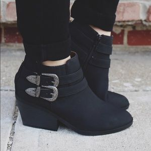 Shoes - Black western buckle almond toe bootie