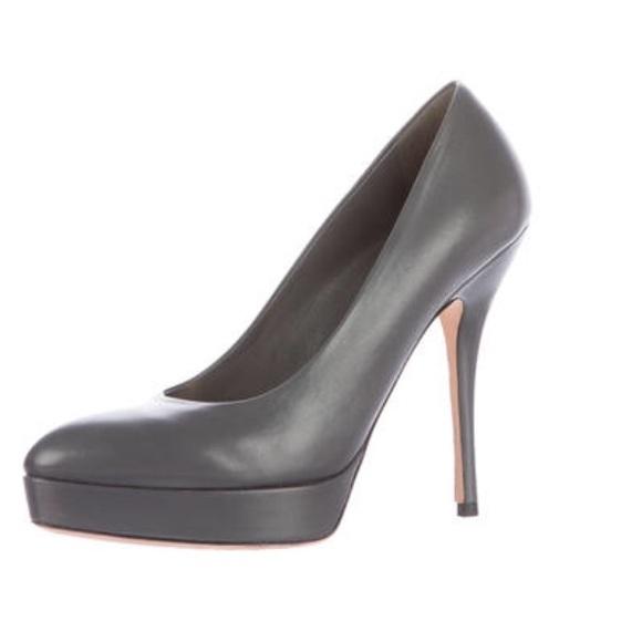 ddee0e5bd27 Gucci Shoes - ⚡️SALE⚡️Like New! GUCCI LEATHER PLATFORM PUMPS