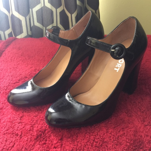 018e8c19cae Black Patent Leather Mary Jane Pumps...Classic!