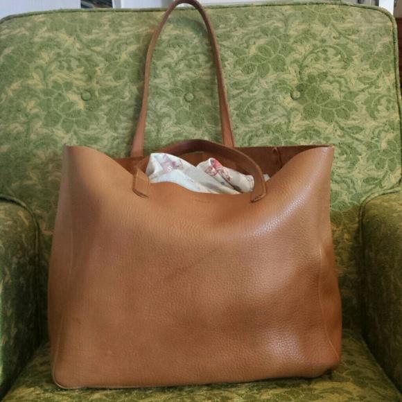 255c2b5eab39 Baggu Handbags - Baggu Oversize Tote in Caramel