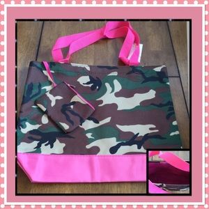 Camo Canvas Tote w/Coin Purse