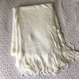 Accessories - Large fringe scarf