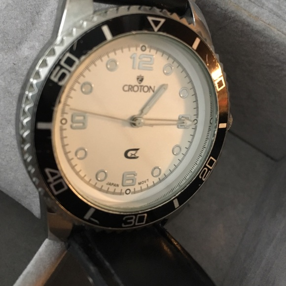 croton black single women Shop from the world's largest selection and best deals for croton women's mechanical (hand-winding) wristwatches shop with confidence on ebay.