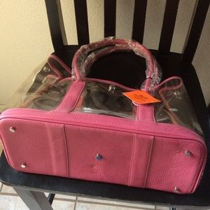 Bags - Pink and clear vinyl large tote designer imposter 9c2bc6e257f04