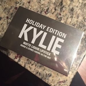 Holiday edition Kylie mini matte dupe.