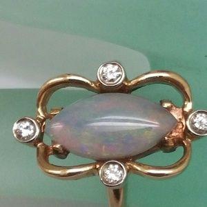 Jewelry - 14k gold diamonds & genuine Australian opal ring