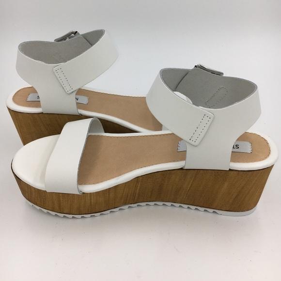 1d2928f91d8 NEW Women s Nylee Platform Sandal