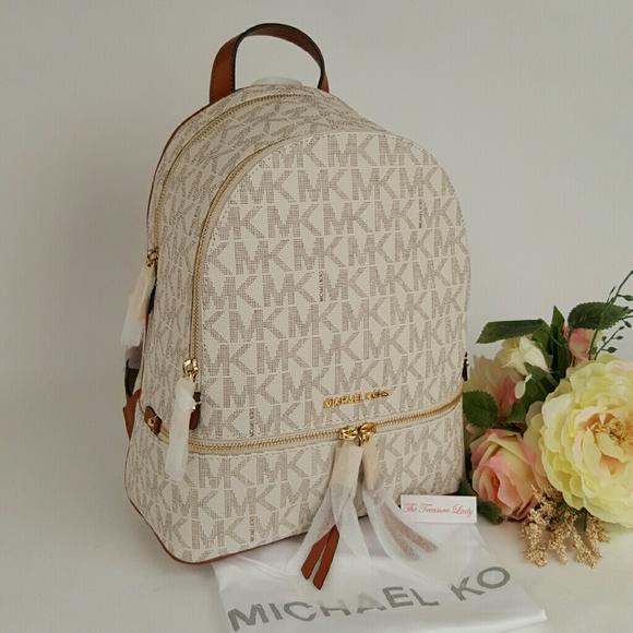 4b908312f5a5 Michael Kors Rhea zip Signature backpack vanilla